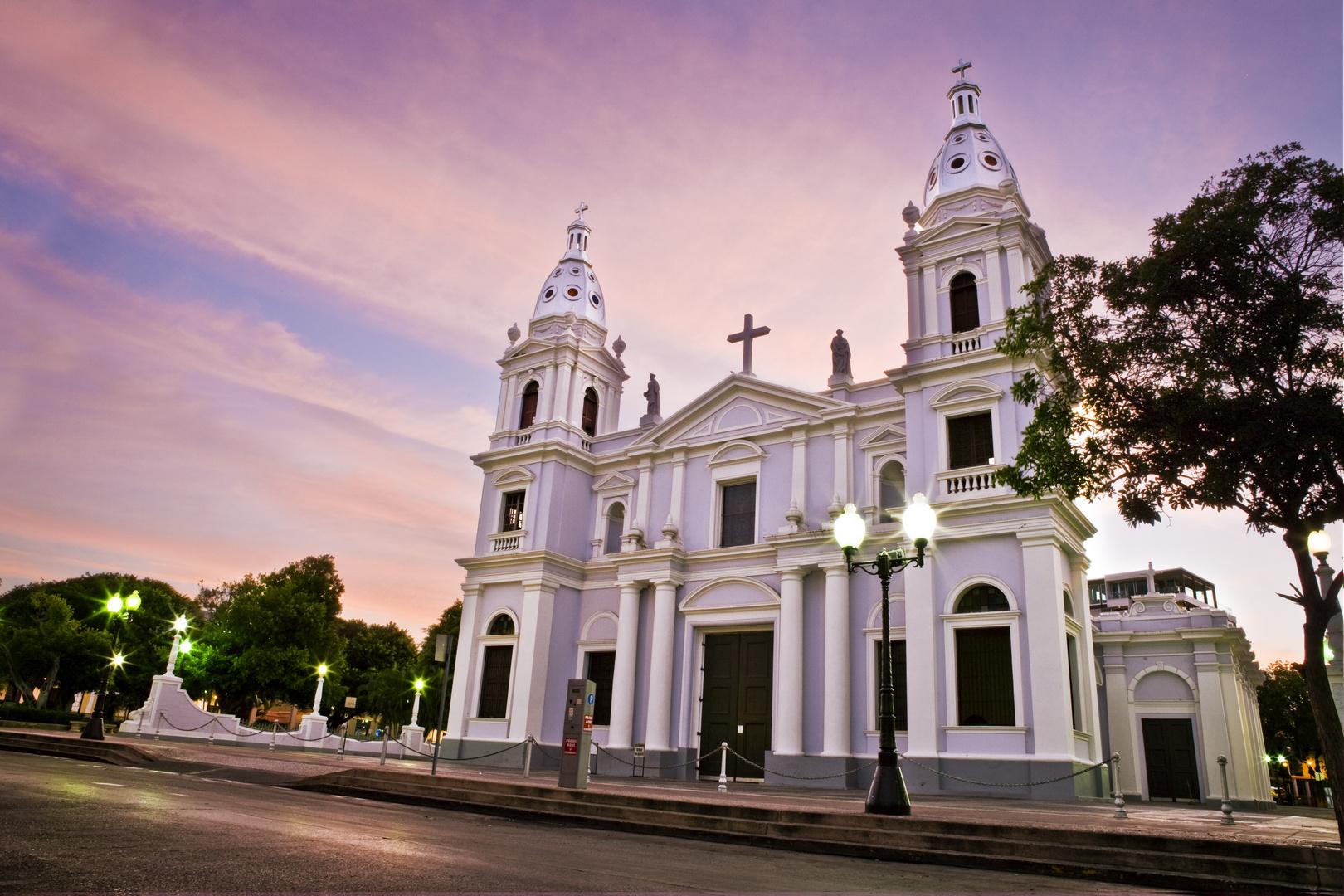 Catedral En La Plaza de Ponce, Puerto Rico