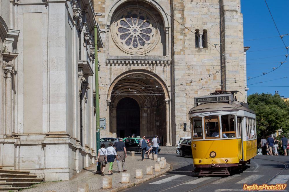 Catedral Sé Patriarcal und die Linie 28