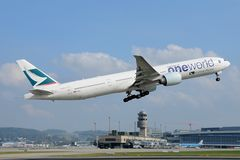 Cathay Pacific Boeing 777-300ER B-KPL One World