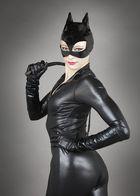 Catwoman et son fouet.......