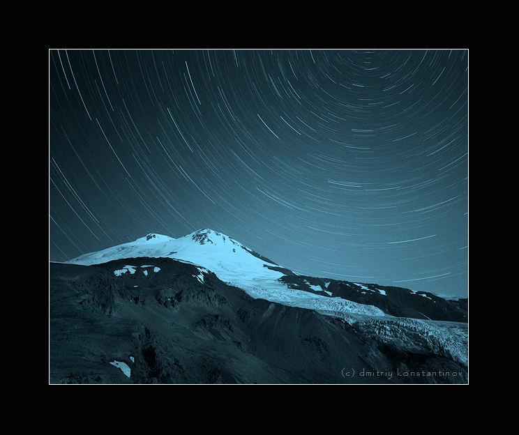 Caucasus. Elbrus. Tracks of stars
