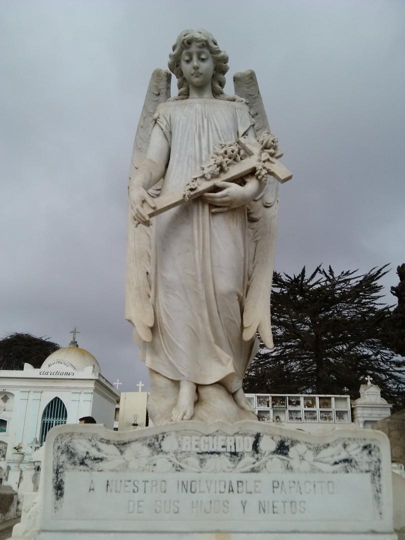 Cementerio photo2
