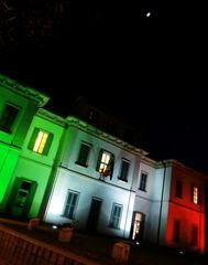 Cernusco sul Naviglio, Villa Greppi in tricolore
