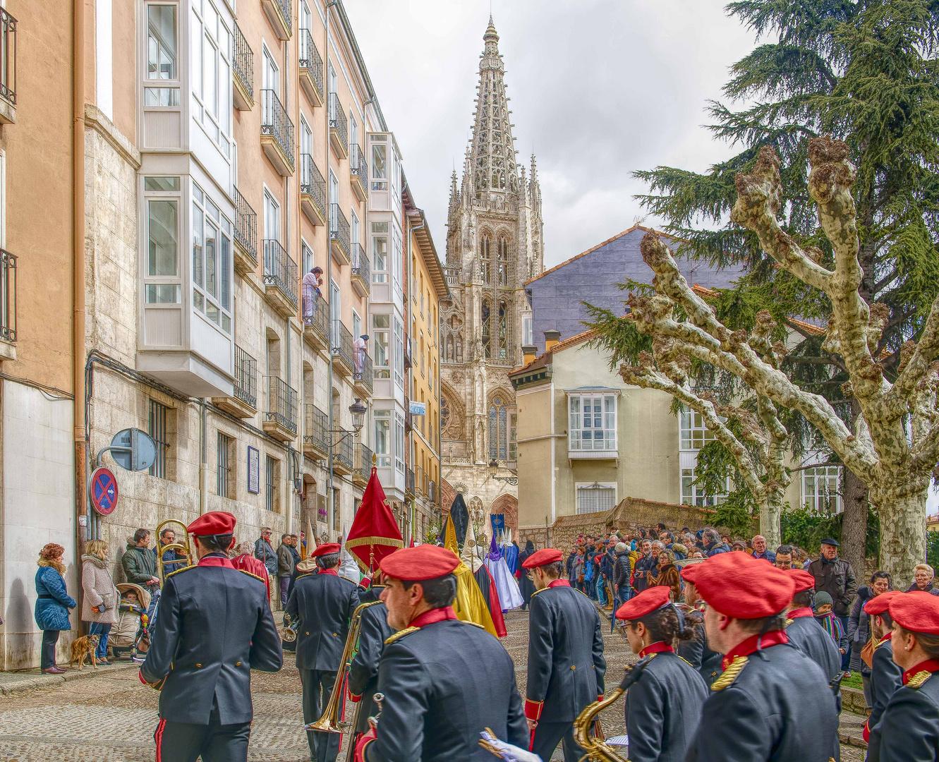 Cerrando la procesión