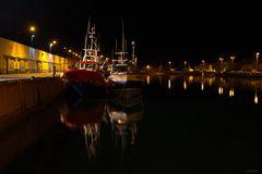 C'est beau un port la nuit