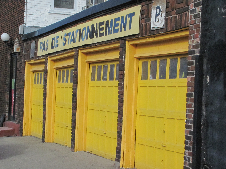 C'est jaunes, et cet et claire, Pas de sattionnement !!