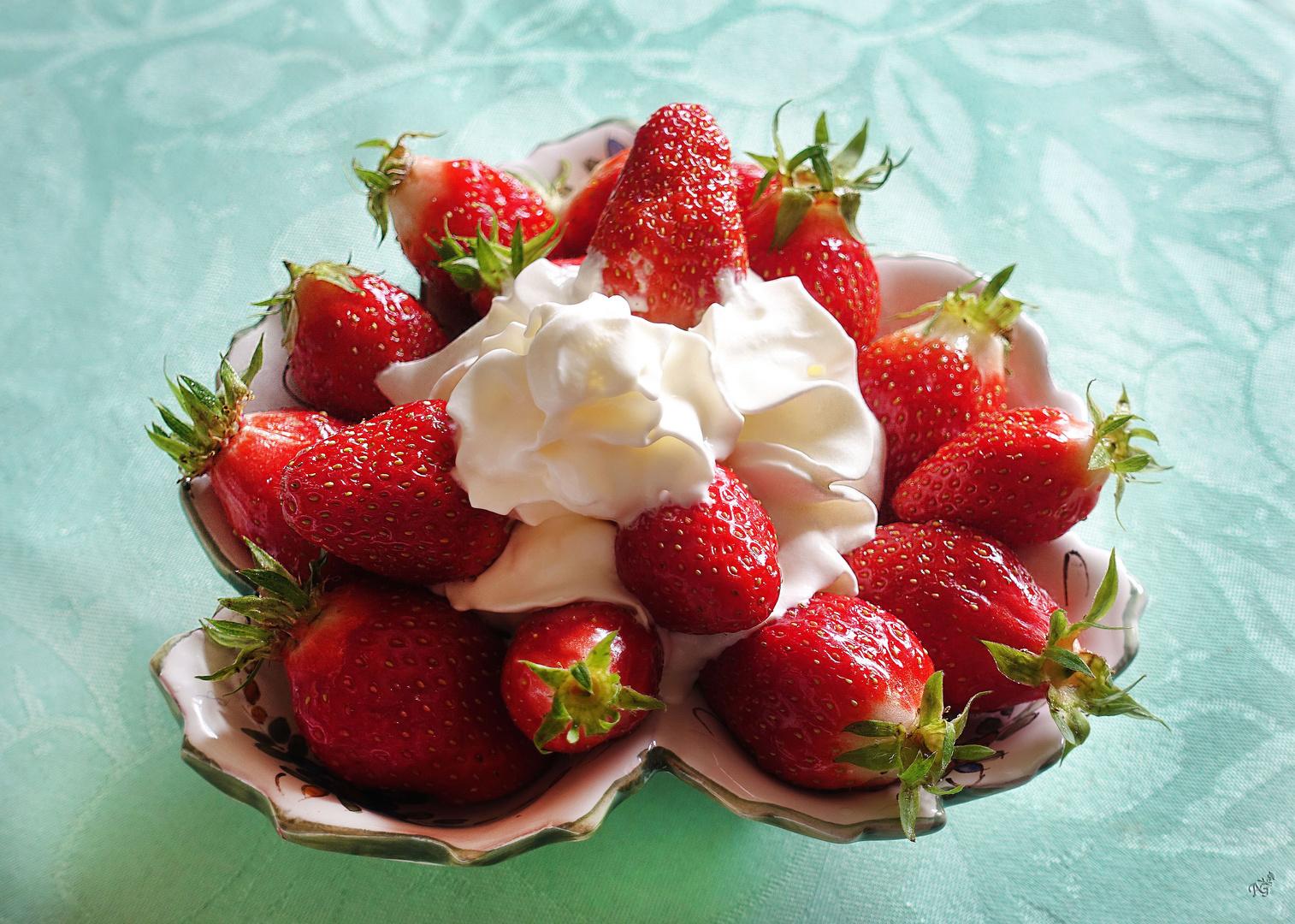 cest-lheure-du-gouter-fraises-chantilly-6bf55df0-0aa8-4d14-a423-c414e7466616