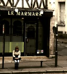 C'est loin Marmara. - Bus stop serie -