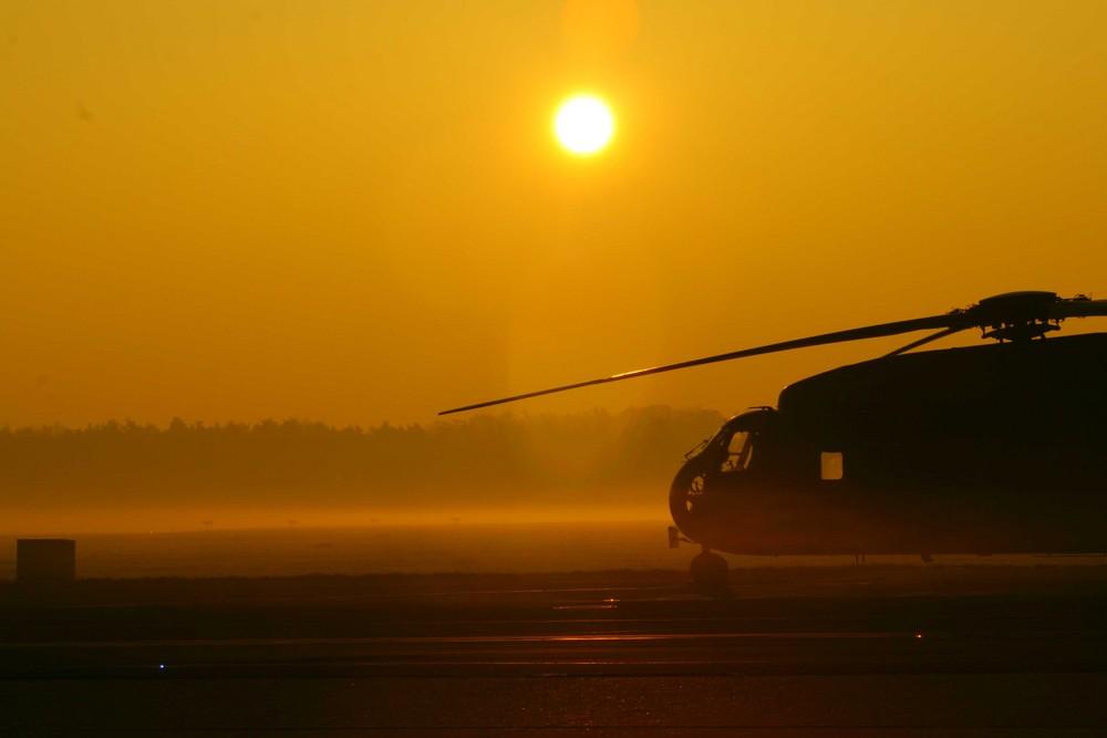 CH 53 G im Sonnenaufgang