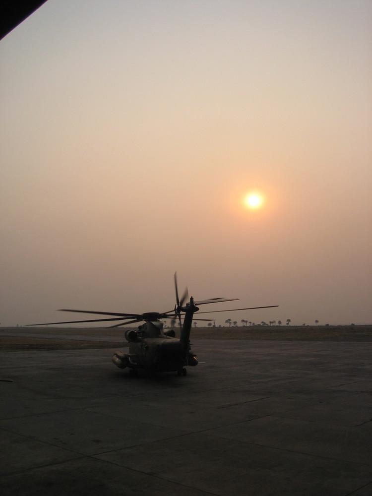 CH 53 GS im Sonnenuntergang auf dem KIA (Dem.Rep.Kongo)