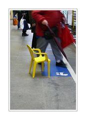 Chair baby on Schwebebahnsteig (waiting).