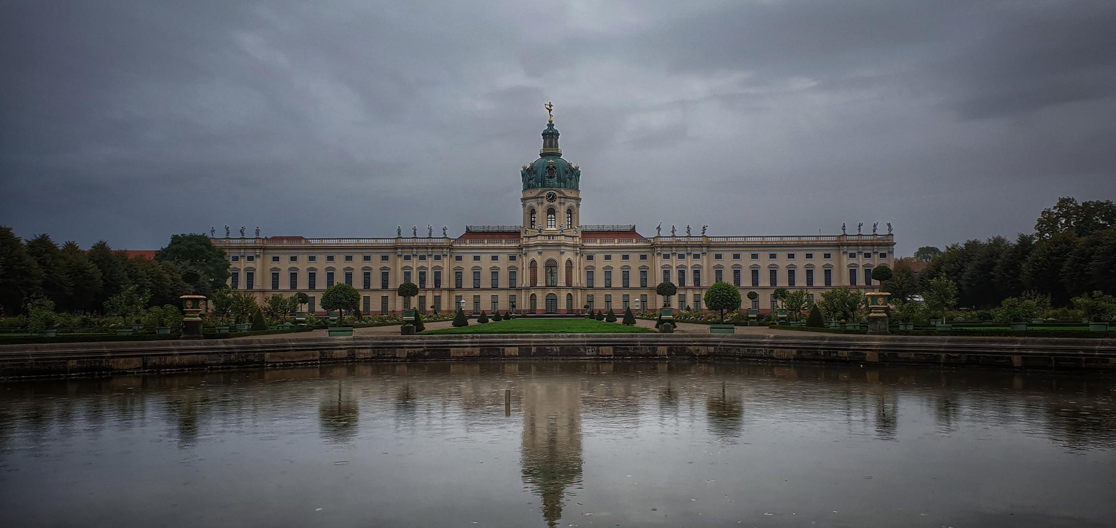 Charlottenburg im Regen