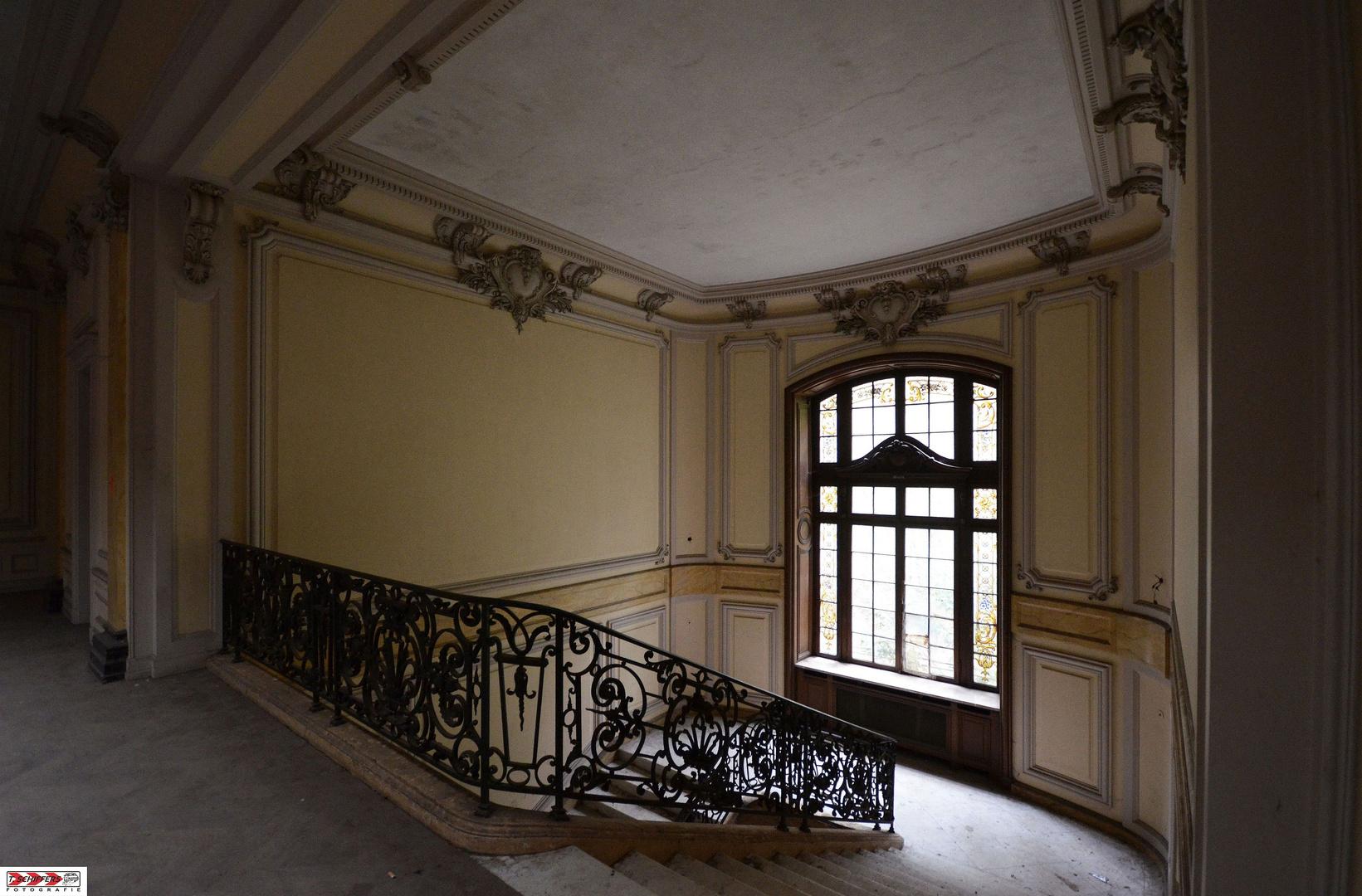 """""""Chateau Mystique"""" - Aufstieg & Fall"""