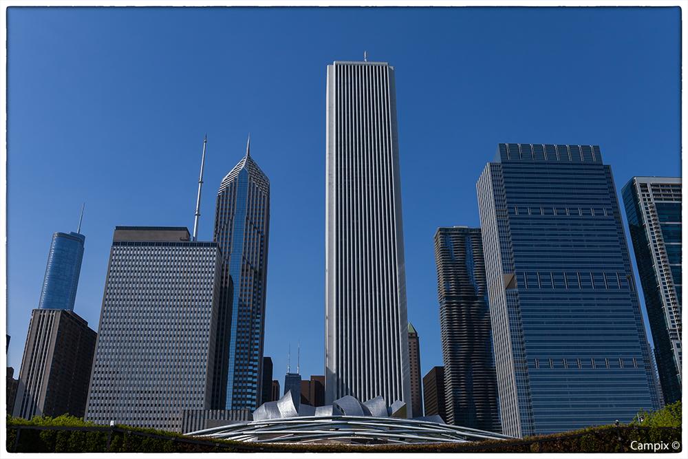 Chicago, Blick auf die Wolkenkratzer vom Milennium Park aus