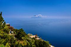 Chiesa di San Bartolo gegen Filicudi, Alicudi, Liparische Inseln, Sizilien