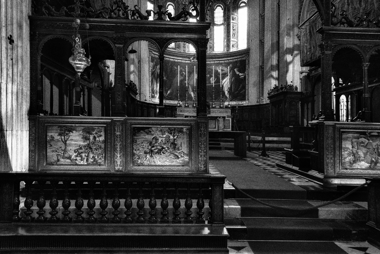Chiesa Santa Maria Maggiore, altare