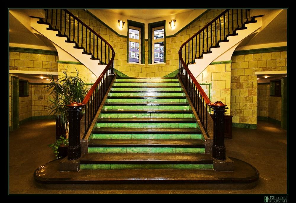 Chilehaus treppenhaus c foto bild architektur treppen und treppenh user architektonische - Bilder treppenhaus ...