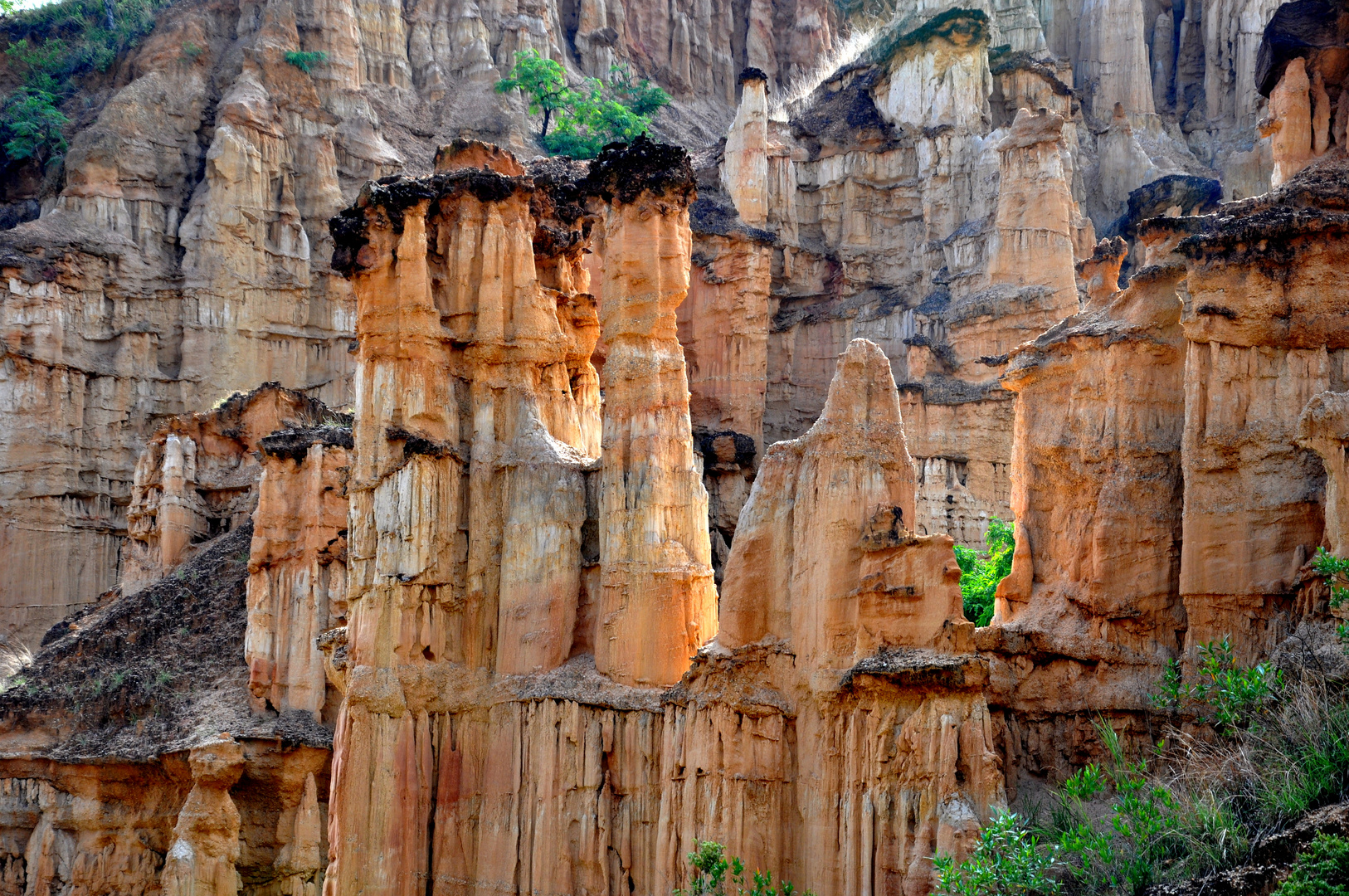 China Yunnan Erdwald Yuanmo, nicht Bryce Canyon