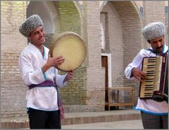 Chiva - Allakulichan-Medrese - Folklore-Abend - Musikanten