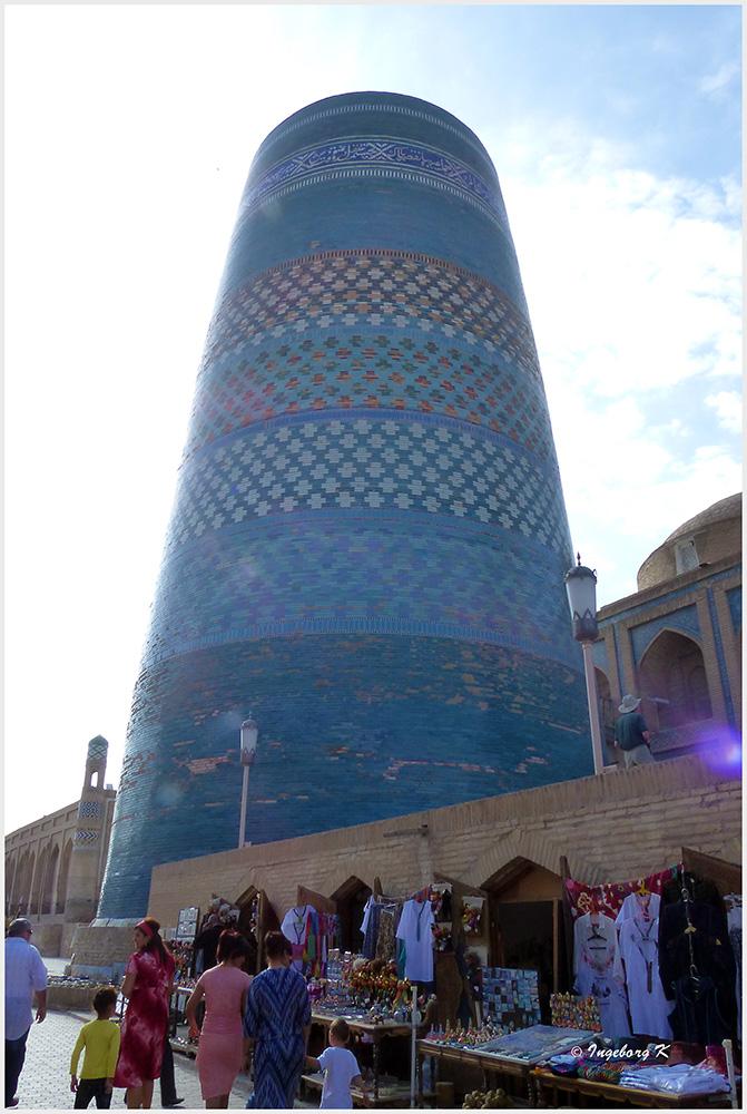 Chiva - Kalta Minor - das kurze Minarett im Stadtzentrum