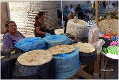 Chiva - Toprak Kale - Marktstand - Fladenbrote -