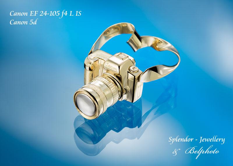 Christmas Gift (golden pendant)