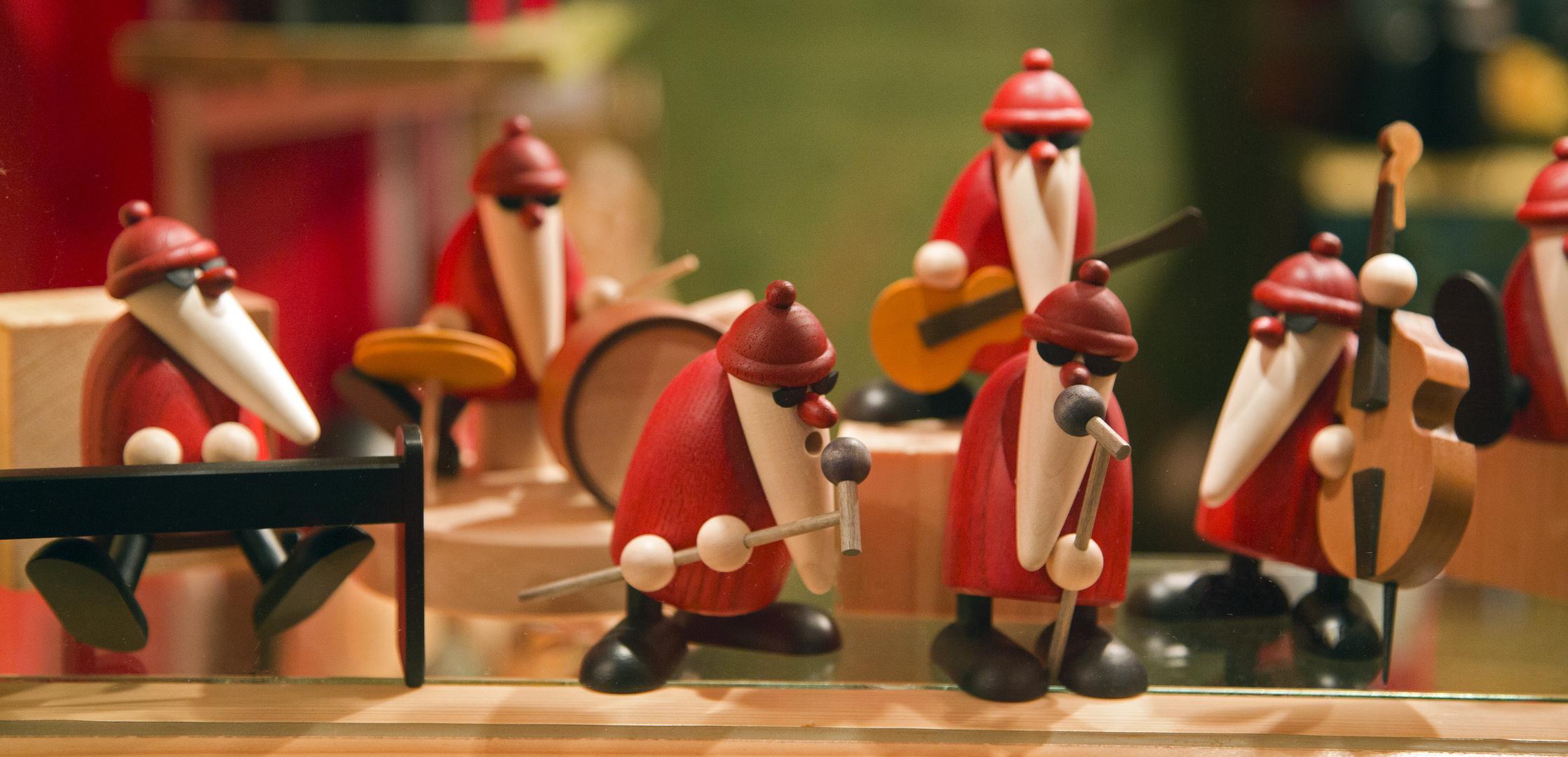 Christmas now!!! We salute you!!!