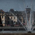 Château de Lunéville au travers du jet d'eau de son Parc
