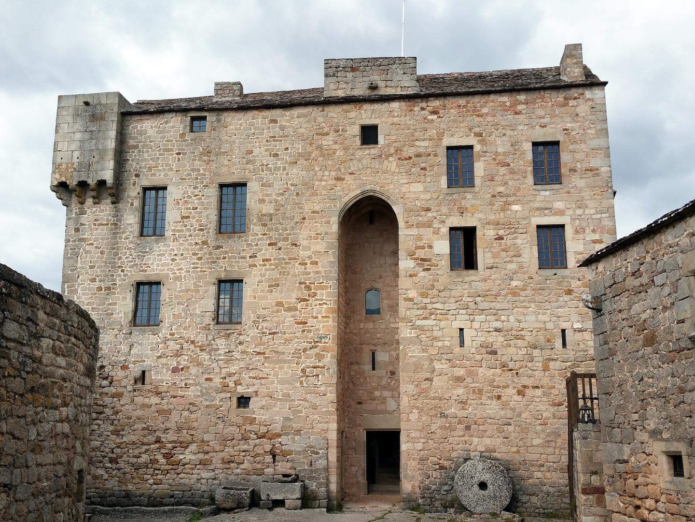 Château de Montaigut dans l'Aveyron.... photo et image | architecture, châteaux, aveyron Images fotocommunity