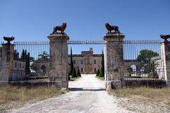 Château de Montfrin, Gard ....