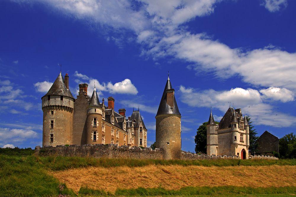...Château de Montpoupon...