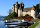 Château de Val Balade sur le Lac Chambon