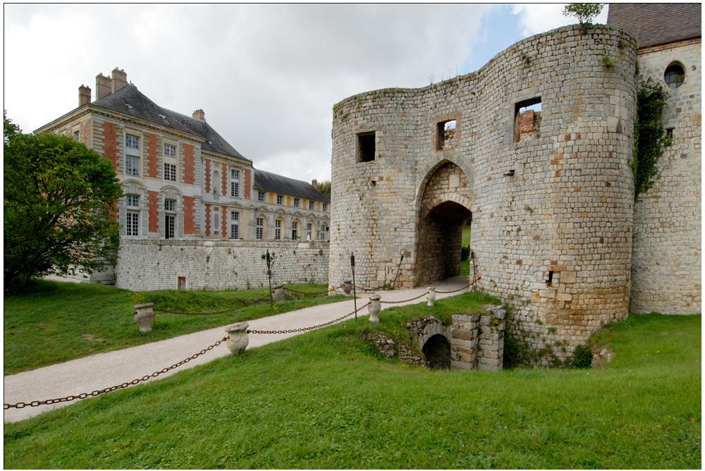 Château des Condé, Vallery