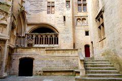 Château du Roi René, Tarascon - cour d'honneur - 2