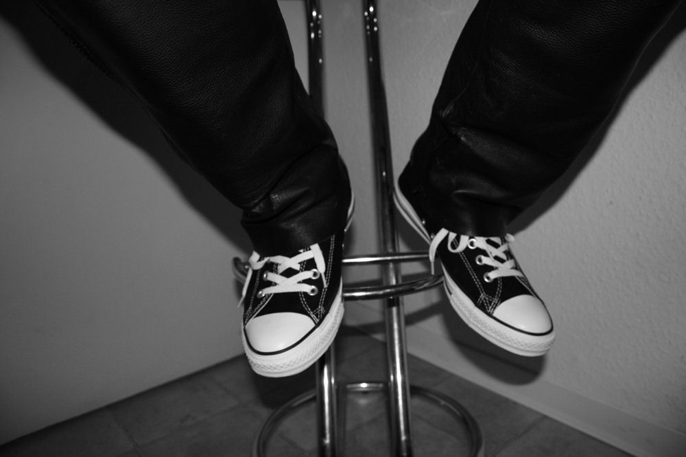 Chucks N´ Lederhose........ Rockmusiker lässt Grüßen