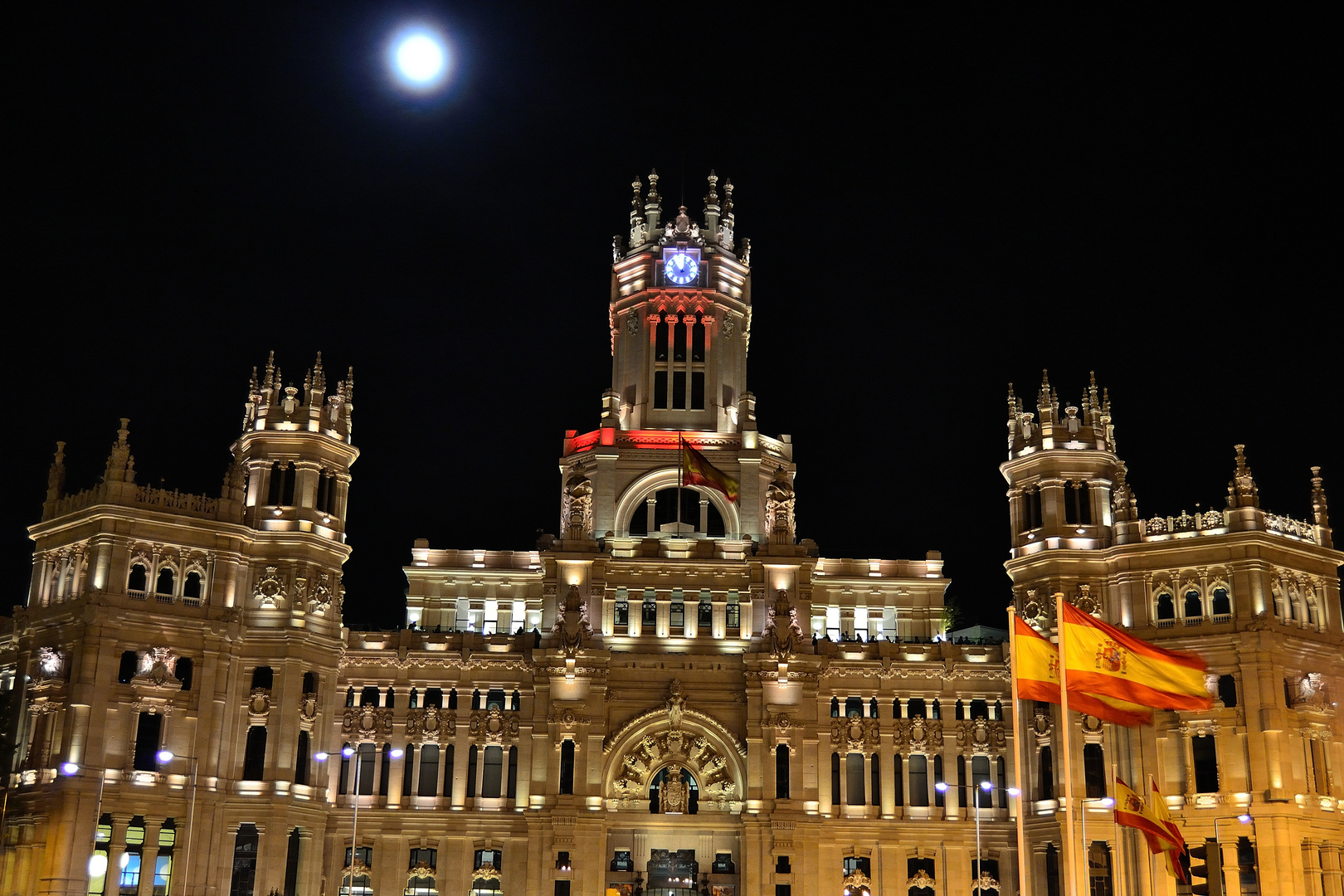 Cibeles and the Blue Moon