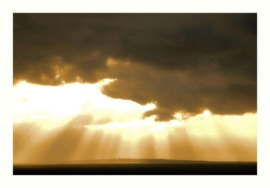 Ciel en flammes sur l'île Molène