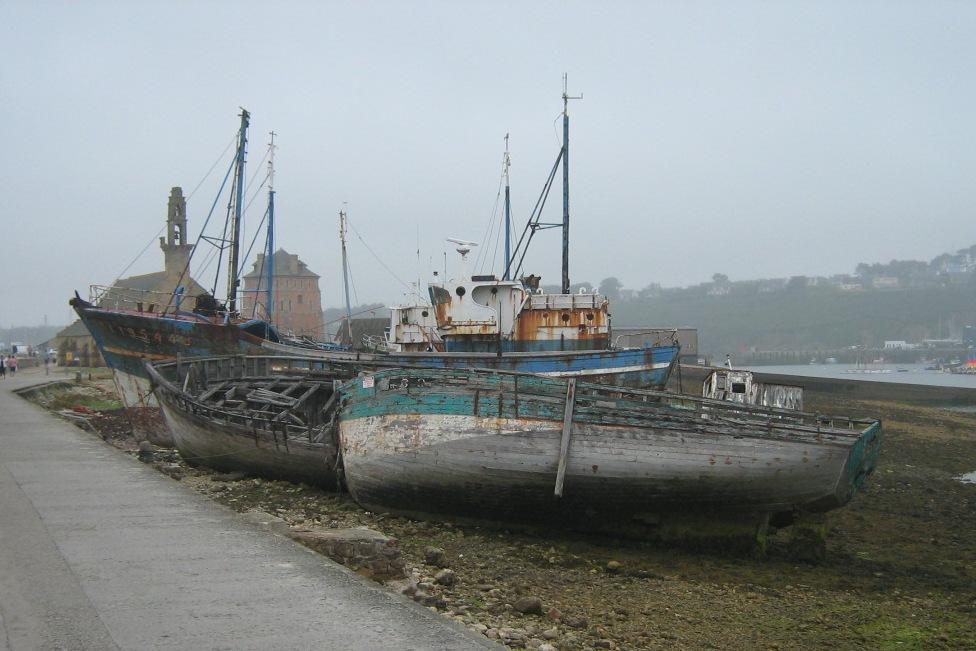 Cimetiere bateaux de Camaret