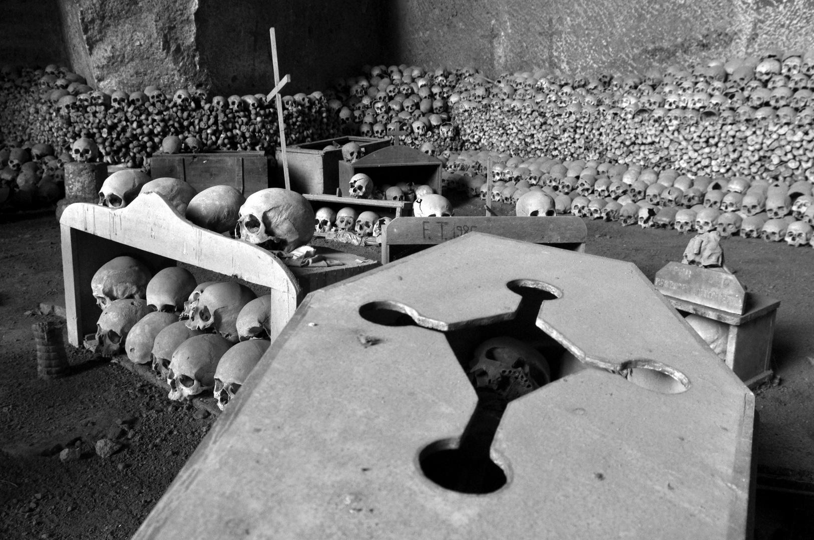 Cimitero delle Fontanelle...