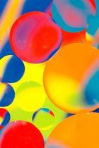[circles of colour]