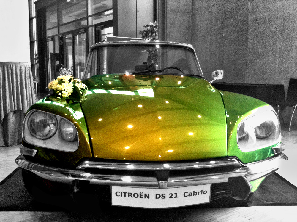 citroen ds eine g ttin in gr n foto bild colorkey. Black Bedroom Furniture Sets. Home Design Ideas