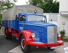 Classic Cars & Caravans 11