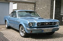 Classic Cars & Caravans 13