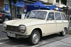 Classic Cars & Caravans 17