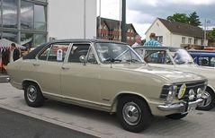 Classic Cars & Caravans 22