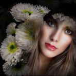 Claudia con flores de Dolores M