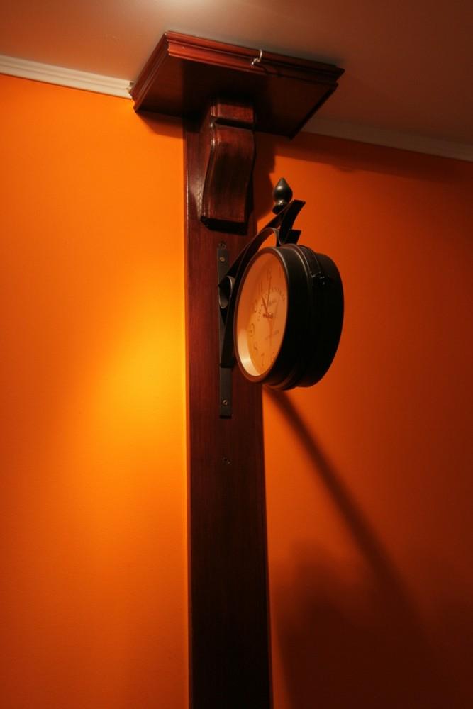Clock in restaurants