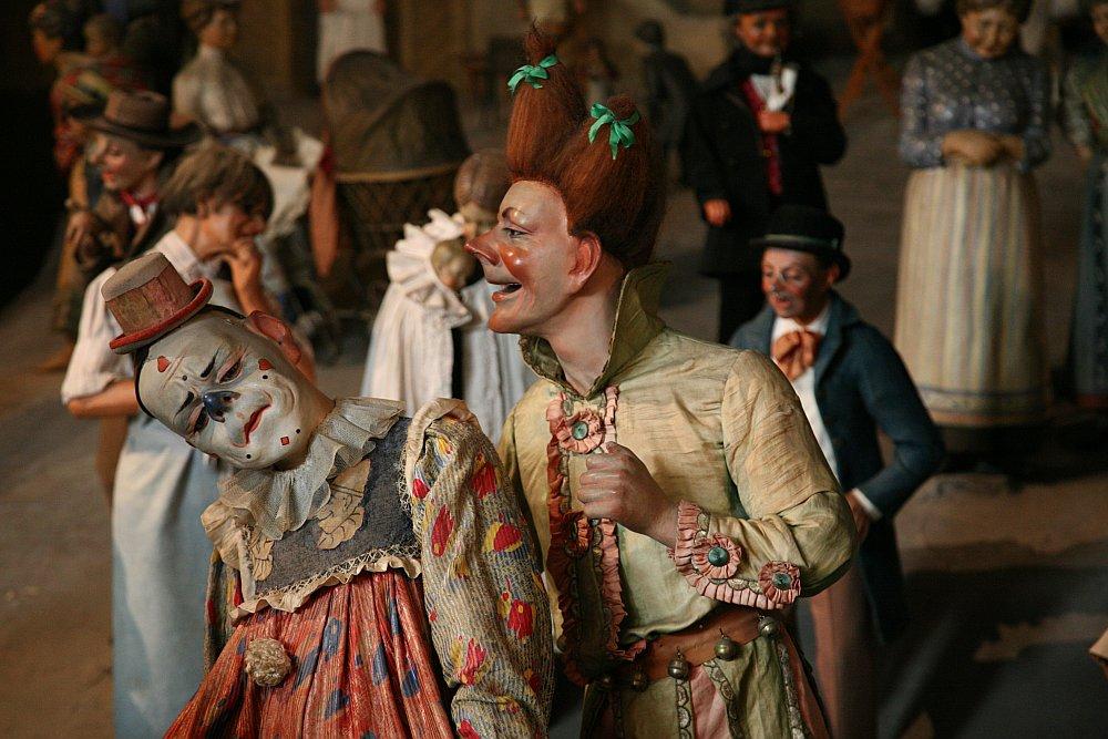 Clowns ...