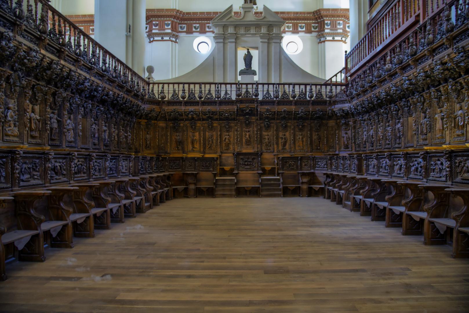 COLEGIATA DE SAN MIGUEL ARCÁNGEL  (coro)