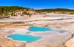 Colloidal Pool, Yellowstone NP, Wyoming, USA